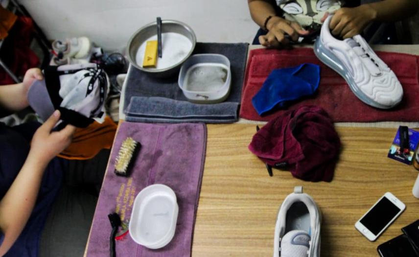 Usaha Cuci Sepatu Modal 20 Juta